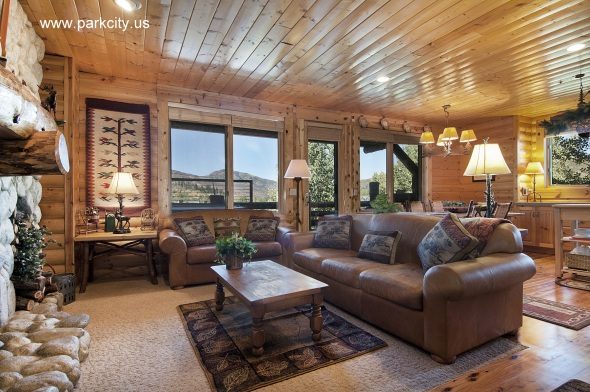 comstock-lodge-201-living-area